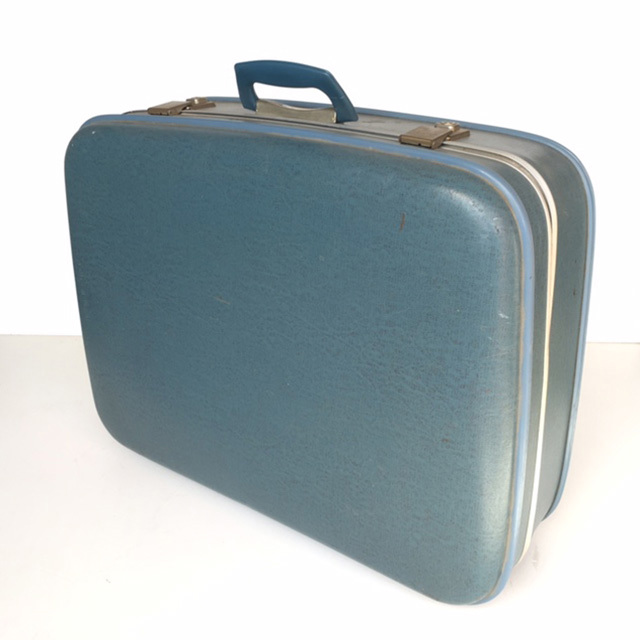 SUI0026 SUITCASE, Large Blue Hardcase - 1960-70s $22.50