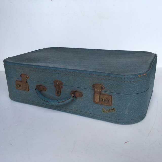 SUI0030 SUITCASE, Medium Blue Majestic - 1960-70s $18.75