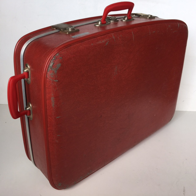SUI0050 SUITCASE, Large Red Hardcase - 1970-80s $22.50