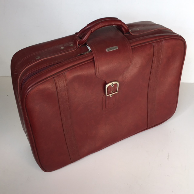 SUI0052 SUITCASE, Medium Red Brown Vinyl w Buckle - 1970-80s $18.75