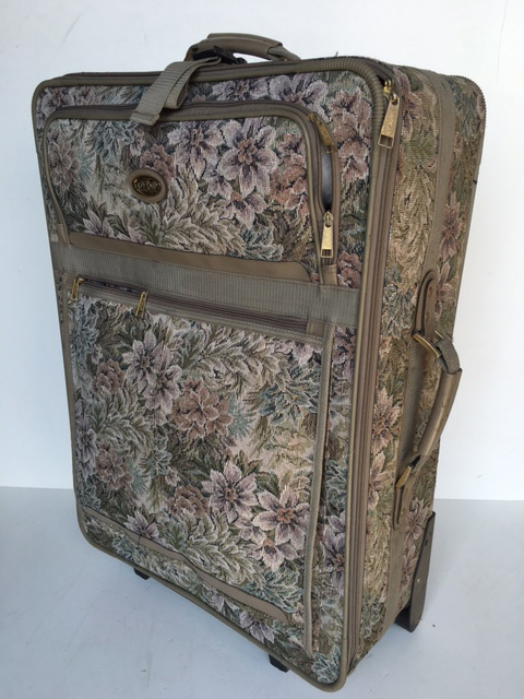 SUI0139 SUITCASE, X-Large Tapestry Style w Grey Trim $22.50