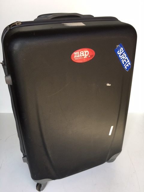 SUI0069 SUITCASE, Large Black Hardcase $22.50