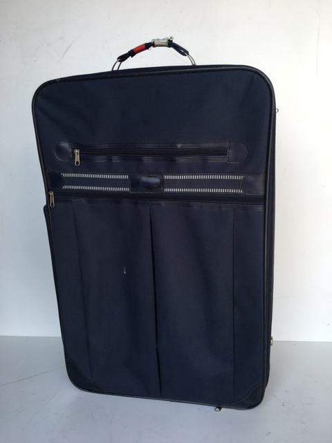 SUI0075 SUITCASE, Large Navy w Red Tape Handle $22.50