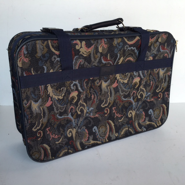 SUI0141 SUITCASE, Medium Tapestry w Blue Trim $18.75