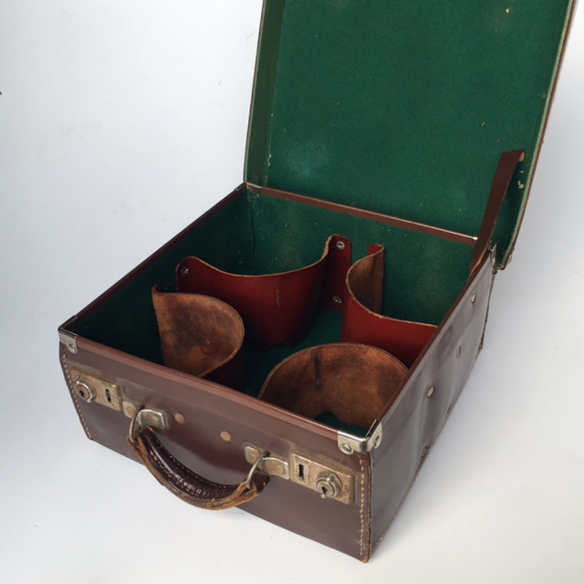 SUI0089 SUITCASE, Vintage Brown Leather Bowls Case WGE $22.50 (Lid Open)
