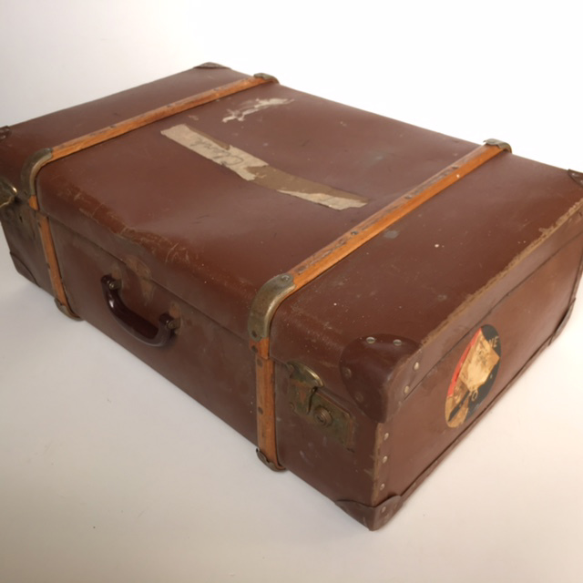 SUI0100 SUITCASE, Vintage Style - Large Brown w Timber Strapping $22.50