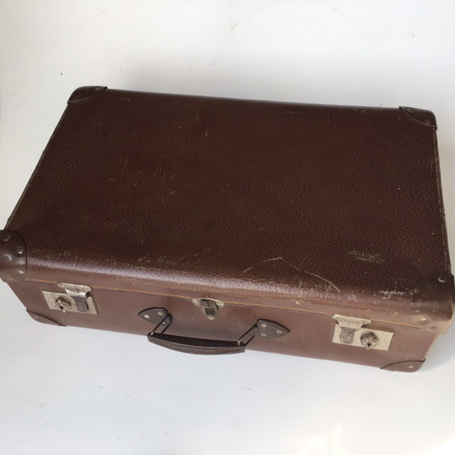 SUI0117 SUITCASE, Vintage Style - Medium Brown Globite Style 1 $15