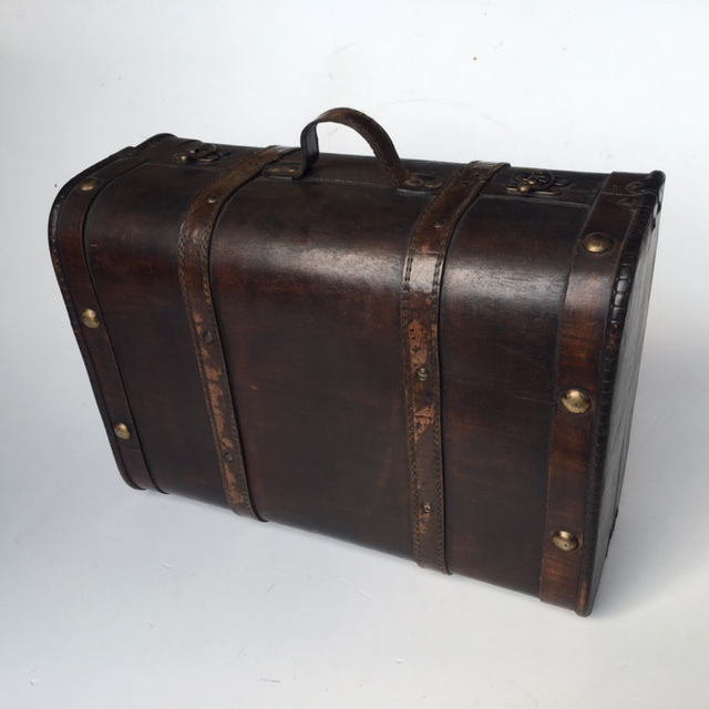 SUI0124 SUITCASE, Vintage Style - Medium Dark Brown Plywood $18.75