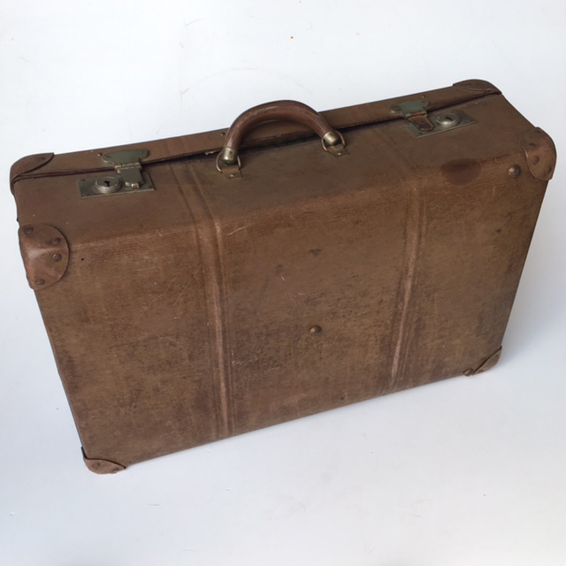 SUI0125 SUITCASE, Vintage Style - Medium Faded Brown Globite $18.75