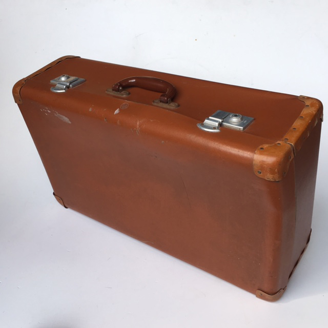 SUI0129 SUITCASE, Vintage Style - Medium Rich Brown Globite $18.75