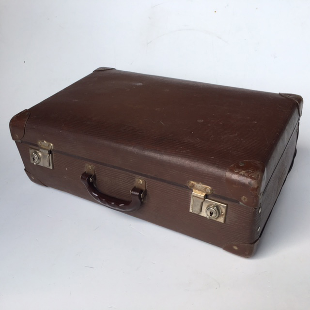 SUI0134 SUITCASE, Vintage Style - Small Brown Globite $12.50