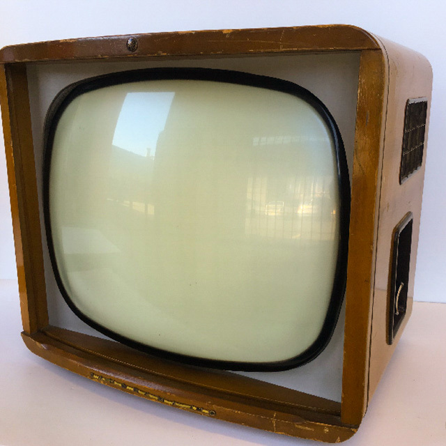 TEL0003 TELEVISION - 1950s Timber PYE Panoramic 58cm W $37.50