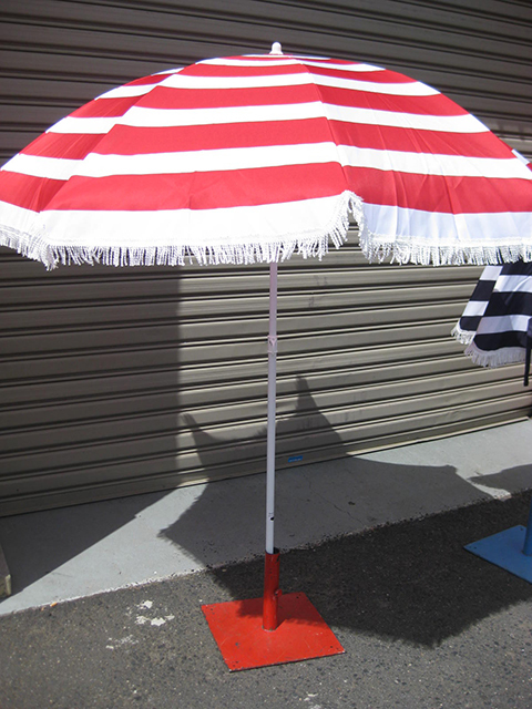 UMB0105 UMBRELLA, Beach - Red & White Stripe with Fringe (2m High) $22.50