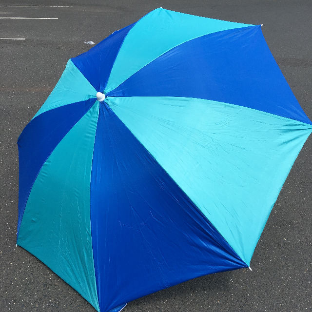 UMB0120 UMBRELLA, Beach - Two Tone Blue $12.50