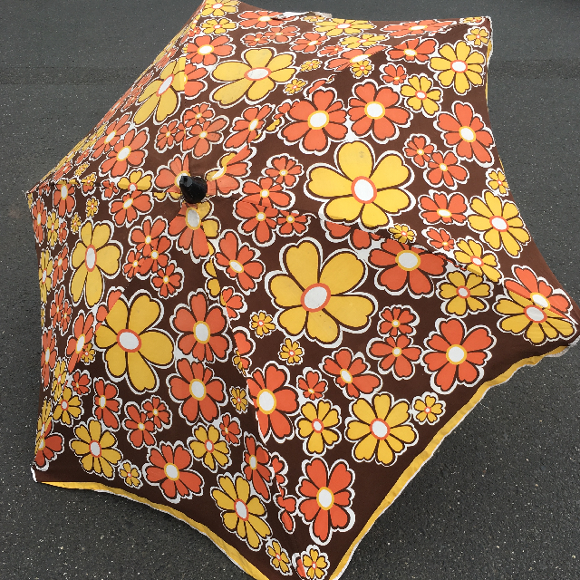 UMB0130 UMBRELLA, Beach - 1970s Floral Brown, Yellow & Orange $22.50