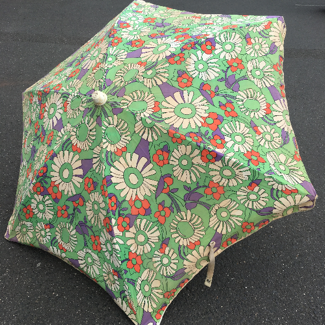 UMB0132 UMBRELLA, Beach - 1970s Floral Green, Purple & Orange $22.50