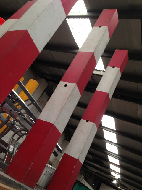 BAR0562 BARRIER POLE, School Crossing Red & White $22.50