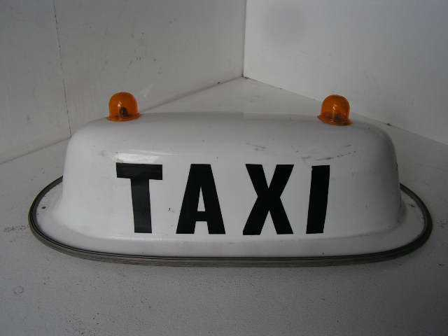 SIG0097 SIGN, Taxi Bubble Australian Older Style $30