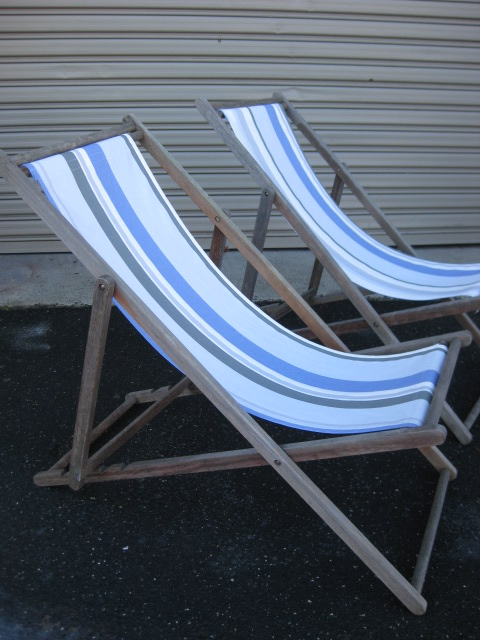 CHA0700 CHAIR, Deck Chair - Blue, Grey & White, Aged Timber Frame $18.75