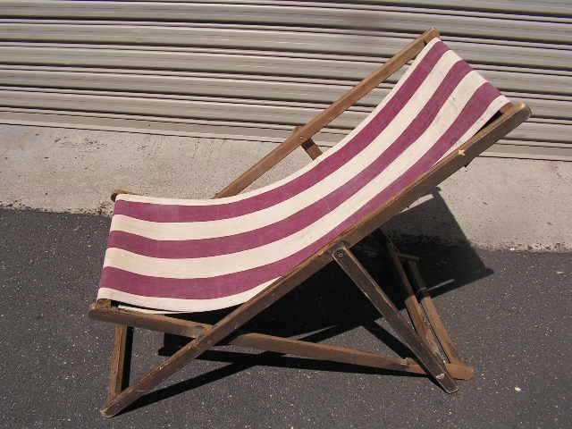 CHA0706 CHAIR, Deck Chair - Maroon & White, Aged Timber Frame $18.75