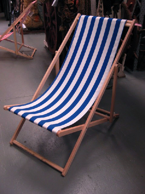 CHA0702 CHAIR, Deck Chair - Blue & White, Natural Timber Frame $18.75