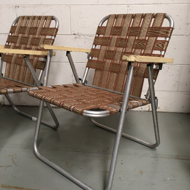 CHA0522 CHAIR, Folding Vintage Lawn Chair - Brown Webbing  $15
