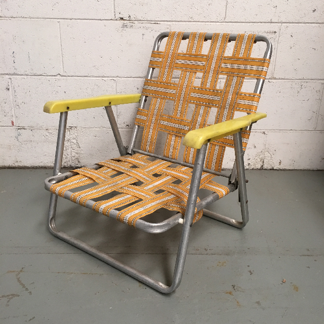 CHA0526 CHAIR, Folding Vintage Lawn Chair - Orange Webbing Low $15